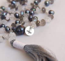 """Over the rainbow"" Mala"